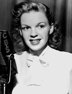 A young Judy Garland in front of a CBS mike - lovely.