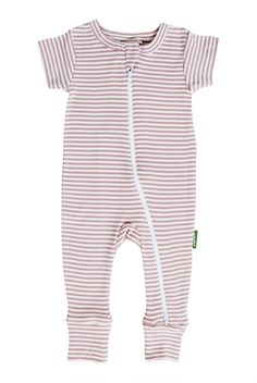 Parade's organic cotton baby rompers are designed for ultimate comfort & ease. Organic Baby Clothes, Sustainable Clothing, Black Romper, Fitness Fashion, Organic Cotton, Kids Outfits, Fashion Outfits, Sleeves, Diaper Change