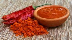 Utilizada como ingrediente culinário, a pimenta-caiena é um condimento que pode ser encontrado em cor alaranjada ou avermelhada e que, quando consumida de forma regular, pode trazer muitos benefícios ao organismo.