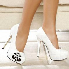 HOT #white #pumps #shoes #nightlife #clubvolume