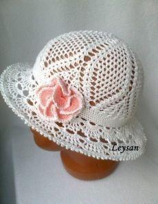 free crochet cloche hat pattern – Knitting Tips Crochet Adult Hat, Crochet Summer Hats, Bonnet Crochet, Crochet Cap, Crochet Baby Hats, Crochet Clothes, Free Crochet, Knitted Hats, Crochet Lovey
