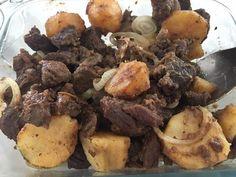 Carne de panela com batatas . Não tão Low Carb mas muito comida de verdade! . . #senhortanquinho #paleo #paleobrasil #primal #lowcarb #lchf #semgluten #semlactose #cetogenica #keto #atkins #dieta #emagrecer #vidalowcarb #paleobr #comidadeverdade #saude #fit #fitness #estilodevida #lowcarbdieta #menoscarboidratos #baixocarbo #dietalchf #lchbrasil #dietalowcarb
