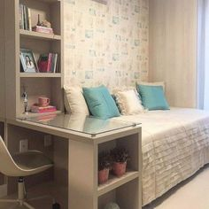 Brilliant small bedroom design storage organization ideas - Decor Home Home Bedroom, Bedroom Furniture, Bedroom Decor, Bedroom Ideas, Master Bedroom, Bedroom Boys, Bedroom Simple, Trendy Bedroom, Small Bedroom Office