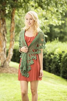 Shawl patterns come in so many shapes & stitches that you'll never grow bored making them, especially when they're FREE! Here are 10 fabulous & free crochet shawl patterns you can start stitching up today. Crochet Shawls And Wraps, Crochet Scarves, Crochet Clothes, Crochet Motifs, Free Crochet, Knit Crochet, Beaded Crochet, Crochet Capas, Shawl Patterns