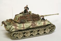 Constructive Comments Discussion Group: Tiger II May 1945 1/35