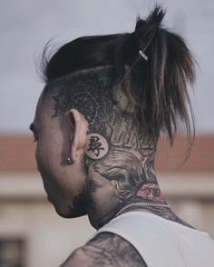 25 Cool Shaved Sides Hairstyles & Haircuts For Men Update) Mens Summer Hairstyles, Easy Hairstyles For Long Hair, Long Hair Cuts, Hairstyles Haircuts, Down Hairstyles, Haircuts For Men, Braided Hairstyles, Fresh Haircuts, Haircut Men