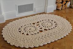 Gehäkelte natürlichen weißen ovalen Teppich von SilfaStudioCrafts