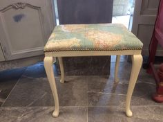 Coffee table inspired by steampunk painted in annie sloan chalk dressing table stool annie sloan chalk paint map fabric in home furniture diy furniture dressing tables gumiabroncs Image collections