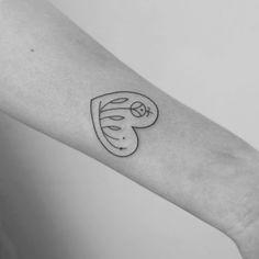 Heart tattoo by Natalia Holub#NataliaHolub#handpoke#linework#minimalistic#heart