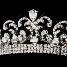 Our best-selling Silver plated Kate Middleton Replica Royal Wedding Halo Tiara will add a regal touch to your wedding or quinceanera. Kate Middleton Jewelry, Princess Kate Middleton, Royal Wedding 2011, Royal Weddings, Majestic Elegance, Bella Bridal, Silver Tiara, Diamond Tiara, Royal Princess