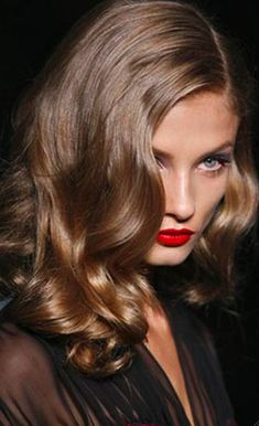 Cherry stained lips + side-swept curls!
