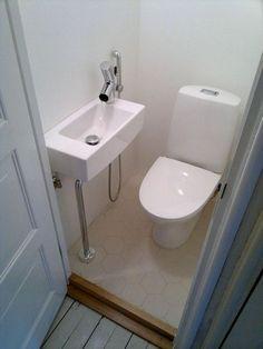 70 Genius Tiny House Bathroom Shower Design Ideas - All For Remodeling İdeas Tiny Bathrooms, Tiny House Bathroom, Steam Showers Bathroom, Master Bathrooms, Bathroom Mirrors, Bathroom Cabinets, Glass Showers, Bathroom Green, Modern Bathrooms