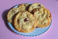 Aneta Goes Yummi: Cookies s bielou čokoládou, pomarančom a brusnicami: konečne…