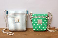 9 Vibrant Simple Ideas: Hand Bags For School Christmas Gifts hand bags vintage. School Christmas Gifts, Cheap Christmas, Messenger Bag Patterns, Japanese Bag, Diy Bags Purses, Diy Tote Bag, Kids Bags, Goodie Bags, Small Bags