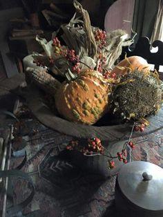 Rustic centerpiece with pumpkins. Harvest Time, Fall Harvest, Harvest Season, Primitive Autumn, Primitive Pumpkin, Fall Containers, Fall Arrangements, Autumn Crafts, Porch Decorating