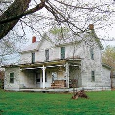 Tash Family Historic 1853 Folk Victorian Home Blue River Road Pekin Indiana - Sold for $34,000
