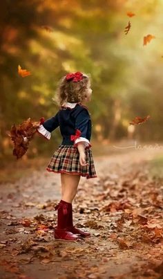 Need to sew more. Annabellah needs a fall plaid skirt I think Autumn Photography, Children Photography, Photography Poses, Family Photography, Foto Portrait, Poses Photo, Foto Baby, Fall Pictures, Fall Photos Kids