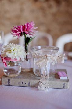 Vrai mariage Home Made {Anne & Arnaud Book Centerpieces, Wedding Centerpieces, Wedding Decorations, Table Decorations, Wedding Flower Inspiration, Wedding Flowers, Rustic Wedding, Our Wedding, Wedding Table Centres