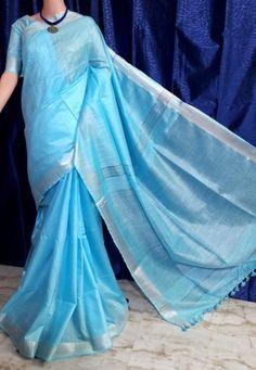 Zari Linen Saree Sea Blue Color in categories Lenin Sarees / Other Sarees Model Rok, Frock Models, Sea Blue Color, Pattu Saree Blouse Designs, Indian Anarkali, Aunty In Saree, Trendy Sarees, Blue Saree, Blue Design