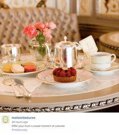 Great Instagram post from Ladurée in Paris, France / Sympathique post Instagram de Ladurée à Paris, France https://instagram.com/p/3G4AfDBbTB/