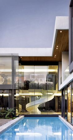 Amazing Snaps: Eccentric Houghton Residence