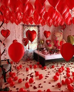 Valentines Balloons, Valentines Day Decorations, Balloon Ceiling, Cute Boyfriend Gifts, Romantic Surprise, Romantic Room, Best Honeymoon, Beautiful Rose Flowers, Balloon Decorations Party