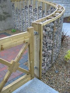 """Here we are talking about amazing simple projects, revolving around How to use Wire Mesh & River Rock to decorating your Garden. To Make creative projects at garden are always a good idea. My post is about Creative Simple Wire Mesh & River Rock Decorations That Will Amaze You"""". If you want to decorate your [...]"""