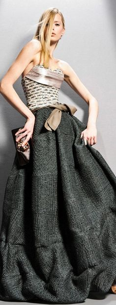 Giorgio Armani Pre-Fall 2011 Fashion Show Collection: See the complete Giorgio Armani Pre-Fall 2011 collection. Look 12 Estilo Fashion, Love Fashion, High Fashion, Fashion Show, Autumn Fashion, Womens Fashion, Fashion Design, Fashion Trends, Giorgio Armani