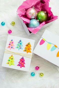 Gift Wrapping Tutorial, Gift Wrapping Bows, Birthday Gift Wrapping, Creative Gift Wrapping, Christmas Gift Wrapping, Wrapping Ideas, Christmas Makes, Christmas Diy, Gift Wrapping Techniques