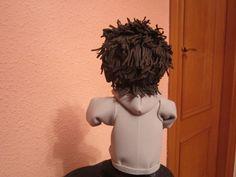 Fofucho batería en goma eva Detalle del pelo y capucha de la sudadera. elenamartinlopez.blogspot.com