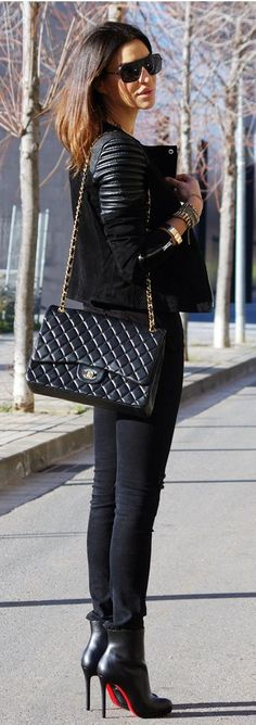 Black  ~ 60 Great Fall - Winter Outfits On The Street - Style Estate -
