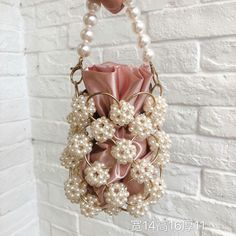 Fall and Winter 2019 New Women's Bag Hand string Pearl Braided Mother Bucket Han., Fall and Winter 2019 New Women's Bag Hand string Pearl Braided Mother Bucket Hand Bill Shoulder Slant Bag-in Top-Handle Bags from Luggage & Bags on Al. Potli Bags, Beaded Bags, Cute Bags, Handmade Bags, Purses And Handbags, Ysl Handbags, Clutch Purse, Evening Bags, Fashion Bags