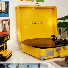 yellow room decor Yellow Crosley Record Player - D - roomdecor Yellow Room Decor, Cute Room Decor, Yellow Bedroom Accessories, Retro Room, Vintage Room, Room Ideas Bedroom, Bedroom Decor, Paris Bedroom, Sunflower Room