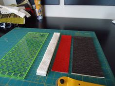 The Quilting Edge: Tutorial/QAYG # 4/Joining the Blocks. I guess this is the Jenny join?