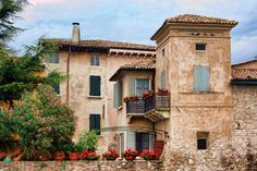 Italian villa...ahh would love to call this place home
