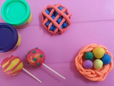 Suckers, blueberry pie n easter eggs basket with playdough!!!