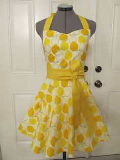 LOVE cute aprons! I want this one please :)   Sweetheart Hostess ApronLemons Vintage by ApronsByVittoria on Etsy, $35.00