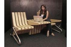 サイドテーブルの幅を自由に変えられるベンチ | roomie(ルーミー)