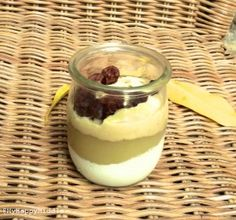 dessert sain alternatif au fromage blanc. KEFIR AMANDES ET RAISINS SECS