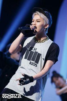 G-Dragon (Kwon Ji Yong ) ♡ #BIGBANG performs 'Crooked' on M! Countdown (130926)