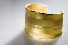 18K and 24K yellow gold and diamond cuff by Atelier Zobel #igorman #atelierzobel