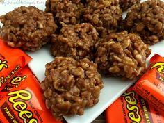 No Bake Reeses Krispy Cookies! – My Incredible Recipes (no bake finger foods) Chocolate Butter, Reeses Peanut Butter, Easter Chocolate, Creamy Peanut Butter, Peanut Butter Cookies, No Bake Cookies, Chocolate Chips, Chocolate Lasagna, Shortbread Cookies