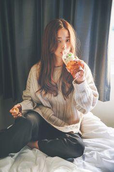 Image uploaded by Mia. Find images and videos about girl, asian and asian girl on We Heart It - the app to get lost in what you love. Cute Fashion, Fashion Models, Girl Fashion, Korea Fashion, Asian Fashion, Korean Girl, Asian Girl, Bora Lim, Moda Punk