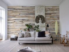 A rustic-chic wood texture for walls, exalted by an eclectic arrangement. This trompe l'oeil mural reimagines your walls as an art installment of reclaimed boar