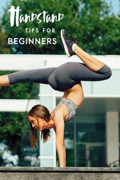 Want to learn how to handstand? Try these top 5 tips for beginner success! #yogatips #handstand #yogapose #yogadaily