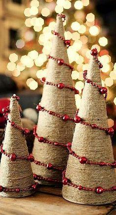 Χριστουγεννιάτιακα δέντρα από σχοινί