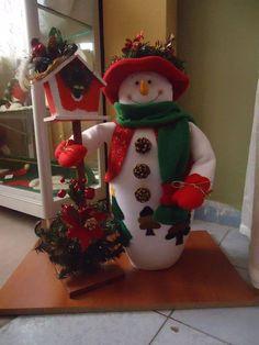 n Christmas Door, Primitive Christmas, Christmas Snowman, Christmas Holidays, Christmas Ornaments, Snowman Crafts, Felt Crafts, Christmas Crafts, Felt Christmas Decorations
