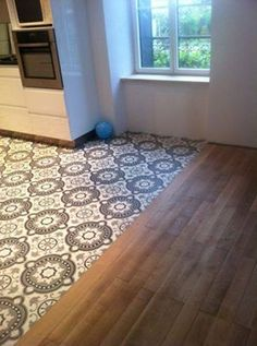 Mixed floors in the house - Trendy Home Decorations - Decoration Küchen Design, Floor Design, Tile Design, House Design, Wooden Flooring, Kitchen Flooring, House Tiles, Trendy Home, Home Kitchens