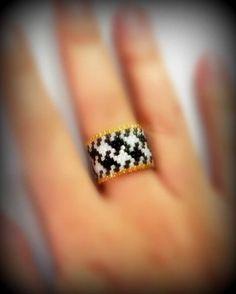 #anello #ring #peyotestitch #PiedDePoule #black #white #goldplated24k #perline #delica #miyuki #seedbeads