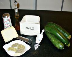 Geröstete Zucchinispalten mit Kräutern und Parmesan